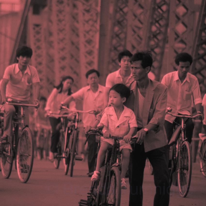 10. Cycling across Haizu Bridge